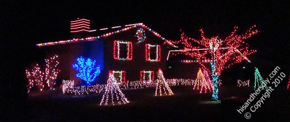 house-with-Christmas-lights