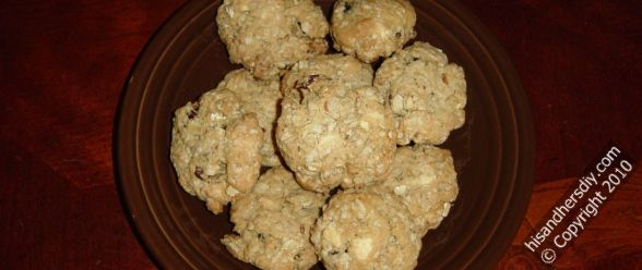 white-chocolate-crasin-oatmeal-cookies