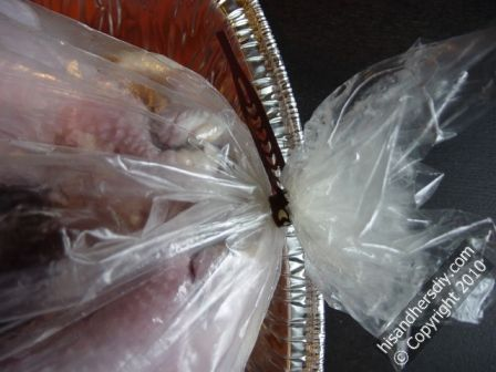 tie-turkey-oven-bag-closed