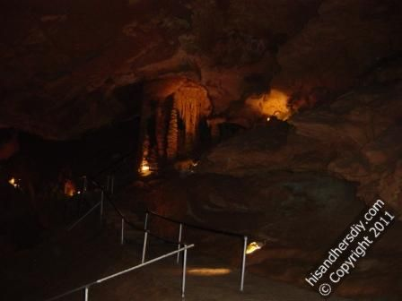 pathway-up-to-large-room-in-tuckaleechee-caverns