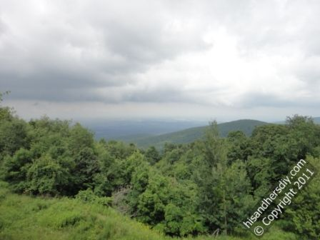 scenic-view-from-Laurel-Caverns-visitor-center