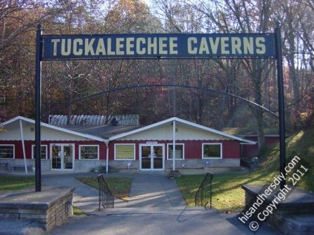 tuckaleechee-caverns-entrance