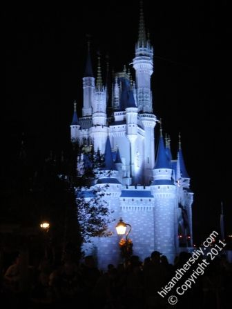 Parade-and-Fireworks-in-front-of-the-Castle